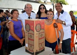 sedh cartao alimentacao e filtros em inga fotos Luciana Bessa 8 270x191 - Governo entrega Cartão Alimentação e filtros cerâmicos para famílias de Ingá