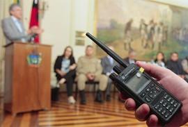 ricardo entrega  sistema de radio comunicacao digital da seguranca_foto jose marques (2)