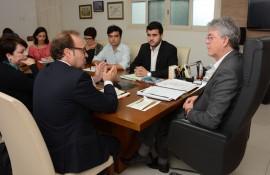 ricardo recebe representante da ONU foto francisco franca 5 270x175 - Ricardo discute parcerias com representantes do Fundo de População das Nações Unidas no Brasil