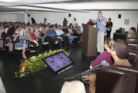 ricardo assina edital projeto acolher foto francisco franca 12 270x183 - Ricardo lança terceiro edital do Projeto Acolher para beneficiar idosos institucionalizados