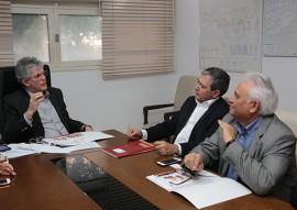 ricardo com representantes do BNB foto francisco franca 2 270x191 - Ricardo discute parcerias com o Banco do Nordeste com recursos do FNE