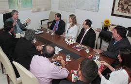 ricardo recebe comitiva da china foto jose marques 1 270x173 - Ricardo discute parcerias com a Câmara de Comércio e Indústria Brasil-China