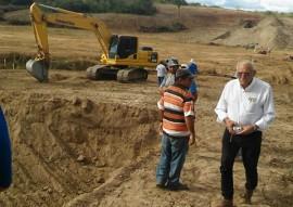 sec de recursos hidricos construcao de barragem 3 270x191 - Plano hídrico do Estado constrói cinco barragens e prevê mais cinco
