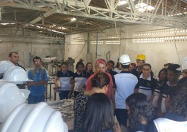 alunos de mineracao participam de aula em mina de quartzito (2)