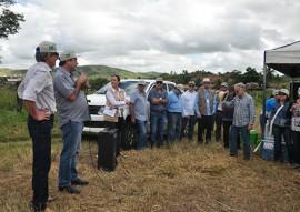 emepa emater tecnologia para agricultores para emissao de baixo carbono 2 270x191 - Emepa e Emater levam aos agricultores tecnologia para contribuir na emissão de baixo carbono