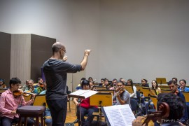 funesc concerto da ospb tem ensaio maestro claudio lage 1 270x180 - Concerto da Sinfônica têm regência do maestro Cláudio Lage e participação da soprano Carla Cury