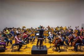 funesc concerto da ospb tem ensaio maestro claudio lage 5 270x180 - Concerto da Sinfônica têm regência do maestro Cláudio Lage e participação da soprano Carla Cury