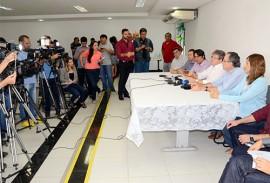 joao azevedo na coletiva da cagepa foto claudio goes 7 270x183 - João Azevêdo anuncia fim do racionamento d'água em Campina Grande e região a partir do dia 26