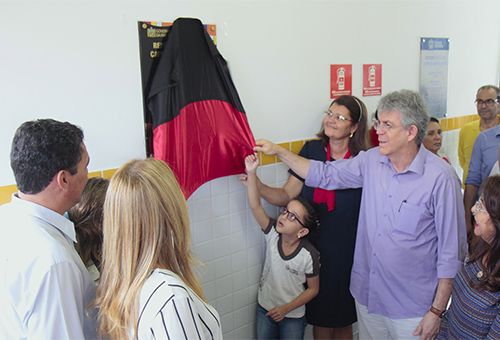 ricardo visita escola capistrano_foto jose marques (6)