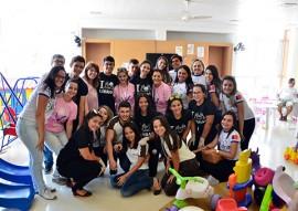 Entrega de Donativos no Laureano foto diego nobrega (7)