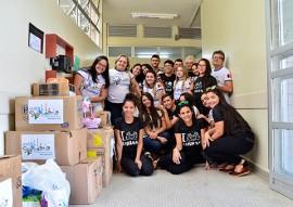 Entrega de Donativos no Laureano foto diego nobrega (8)