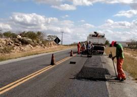 der operacao tapa buraco 1 270x191 - DER faz serviços de conservação em mais 445 km de rodovias