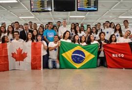 ricardo participa do embarque do gira mundo foto delmer rodrigues 13 270x183 - Ricardo participa da solenidade de embarque de 50 estudantes para intercâmbio no Canadá