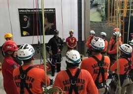 bombeiros realizam treinamento em alturas em pernambuco 3 270x191 - Corpo de Bombeiros realiza treinamento de Salvamento em Altura em Pernambuco