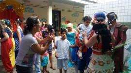 circo arlinda 270x152 - Atividades circenses e personagens infantis levam alegria e diversão às crianças do Hospital Arlinda Marques