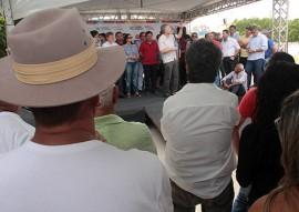 OS da adutora de caraubas foto alberi pontes secom pb 6 270x191 - Ricardo assina ordem de serviço da Adutora de Caraúbas e inspeciona obras da PB-186 em São Domingos do Cariri