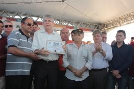 barragem ingá1 foto Alberi Pontes 270x180 - Ricardo entrega barragem recuperada em Ingá e recebe título de cidadão