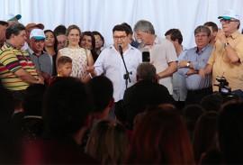 prefeito de soledade foto jose marques 2 270x183 - Ricardo assina ordem de serviço da TransParaíba durante caravana nas cidades beneficiadas