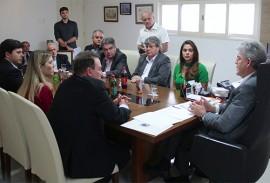 ricardo reunido com empresarios foto jose marques 6 270x183 - Ricardo assina Protocolo de Intenções com Companhia de Bebidas que poderá gerar 500 empregos na Paraíba