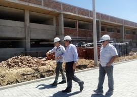 sec joao azevedo visita obras da escola tecnica de cg 3 270x191 - João Azevêdo inspeciona obras da Escola Técnica de Campina Grande