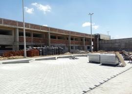 sec joao azevedo visita obras da escola tecnica de cg 8 270x191 - João Azevêdo inspeciona obras da Escola Técnica de Campina Grande