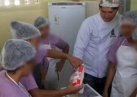 sedh E fundac beneficia socieducandas 3 270x191 - Socioeducandas participam de curso profissionalizante de confeiteiro de tortas