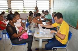 02 12 17 Abono Natalino em Pitimbu Foto Alberto Machado 13 270x179 - Governo do Estado inicia primeira fase do pagamento do Abono Natalino