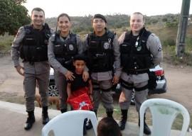 crianca de cidade paraibana escolhe policia como tema da festa 2 270x192 - Criança escolhe Polícia Militar como tema da festa de aniversário e recebe surpresa dos policiais