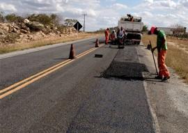 der faz operacao tapaburaco 31 270x191 - DER faz última operação tapa buraco de 2017 e recupera mais de 770 km de rodovias
