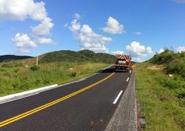 der investimentos na sinalizacao das estradas do estado 1 270x191 -  Rodovias do Programa Caminhos da Paraíba recebem sinalização