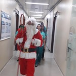 papai noel visita pacientes do hospital de trauma e HTop (10)