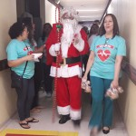 papai noel visita pacientes do hospital de trauma e HTop (5)