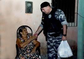 """policia militar entrega donativos peração boas festas solidarias 5 270x191 - Polícia começa entrega de donativos da campanha """"Boas Festas Solidárias"""""""