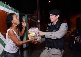 """policia militar entrega donativos peração boas festas solidarias 9 270x191 - Polícia começa entrega de donativos da campanha """"Boas Festas Solidárias"""""""
