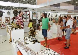 compras no salao de artesanato foto walter rafael 3 270x191 - 27ª edição do Salão de Artesanato já faturou R$ 298,6 mil em vendas diretas