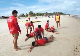 corpo de bombeiros realiza treinamento de salvamento aquatico 1 270x191 - Corpo de Bombeiros realiza treinamento de salvamento aquático para surfistas na Baía da Traição