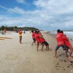 corpo de bombeiros realiza treinamento de salvamento aquatico (3)