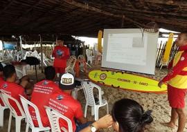 corpo de bombeiros realiza treinamento de salvamento aquatico 5 270x191 - Corpo de Bombeiros realiza treinamento de salvamento aquático para surfistas na Baía da Traição