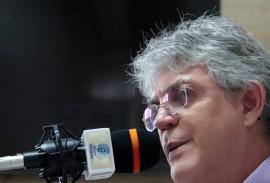ricardo no programa fala governador foto jose marques 2 270x183 - Ricardo inaugura Hospital Metropolitano e entrega mais de R$ 400 milhões em obras até março