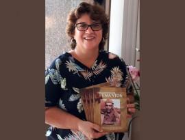 Carmem Lúcia1 270x205 - Na FCJA: Professora lança livro em homenagem ao pai