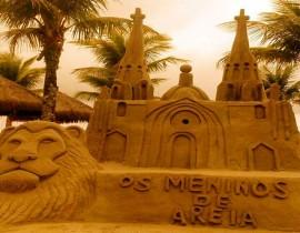 escultura areia 270x210 - Artistas fazem intervenção com esculturas de areia na cidade do Conde