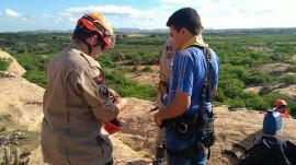rapel 3 270x151 - Corpo de Bombeiros ministra instrução de rapel a Clube de Desbravadores em Patos