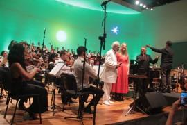 """UNADJUSTEDNONRAW thumb 192a 270x180 - Em concerto histórico na Paraíba, Vandré emociona público ao cantar """"Para não dizer que não falei de flores"""""""