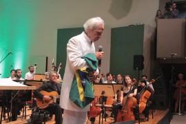 """UNADJUSTEDNONRAW thumb 19a9 270x180 - Em concerto histórico na Paraíba, Vandré emociona público ao cantar """"Para não dizer que não falei de flores"""""""