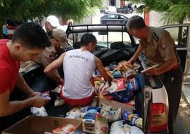 bombeiro entrega alimentos em cajazeiras 1 270x191 - Bombeiros entregam alimentos arrecadados em corrida a instituições de caridade de Cajazeiras