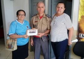bombeiro entrega alimentos em cajazeiras 2 270x191 - Bombeiros entregam alimentos arrecadados em corrida a instituições de caridade de Cajazeiras