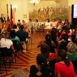 ricardo assina acoes no dia da mulher_foto francisco franca (17)