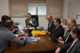 sandálias blue3 foto Francisco França 270x180 - Ricardo se reúne com representantes de empresa de calçados que funcionará em Campina Grande