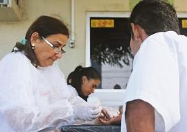 ses NAF teste rapido de hepatite em diabeticos foto ricardo puppe 4 270x191 - Diabéticos fazem teste rápido de Hepatites B e C durante entrega de insulina