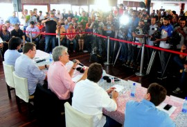 ricardo faz pronunciamento foto jose marques 41 270x183 - Ricardo anuncia inauguração de mais de 200 obras e diz que permanece no Governo até o fim do ano